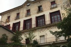 Façana posterior de la Casa Buenos Aires, des del jardí.