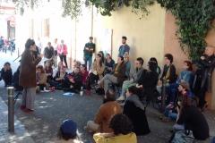 La Gla, 24  de març, públic atent als recitadors.