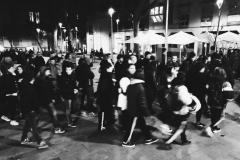 14 de febrer al vespre. Un cop més, la nostra veu recorre el barri.