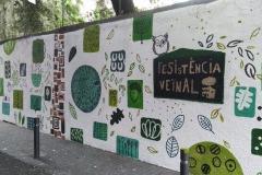 Avui hem fet un mural participatiu al mur de Manrique de Lara.