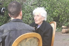 BTV entrevista la sra. Maria Jover, que va viure la seva infantesa a la casa núm. 17.
